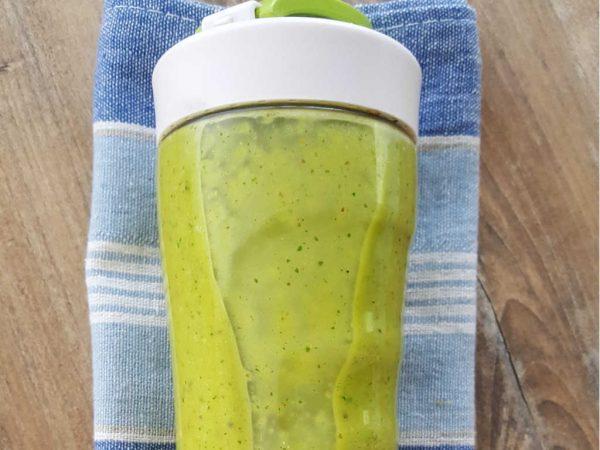 Zeleni smoothie od peršina i kurkume