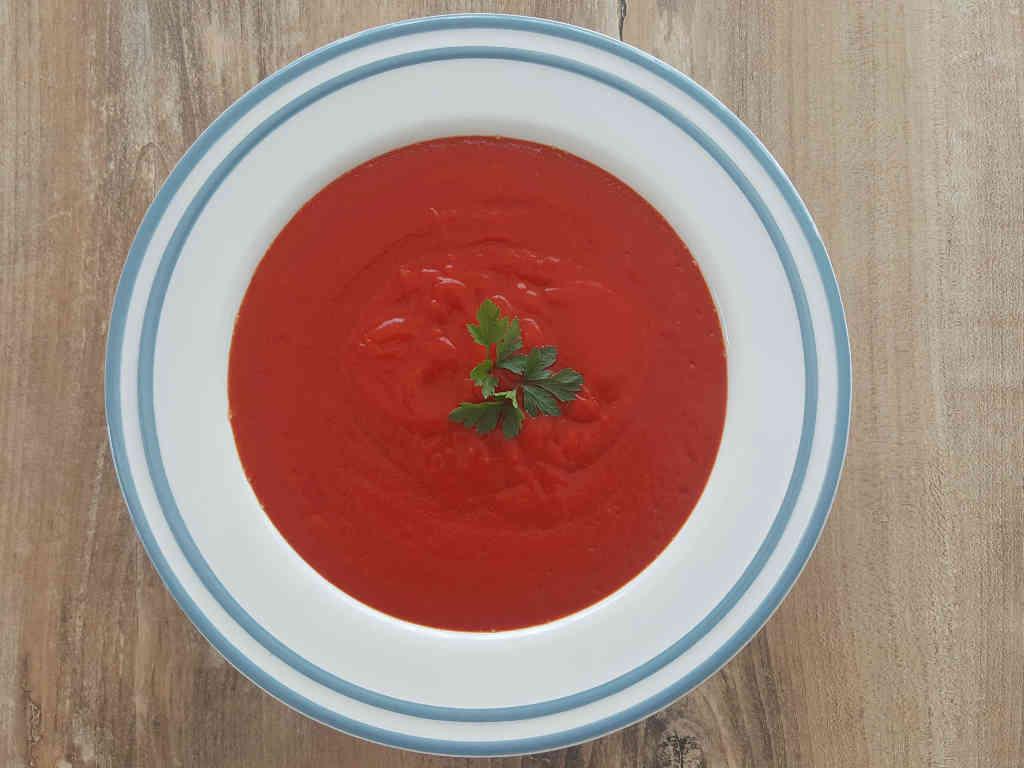 Gusta juha od cikle, mrkve i češnjaka